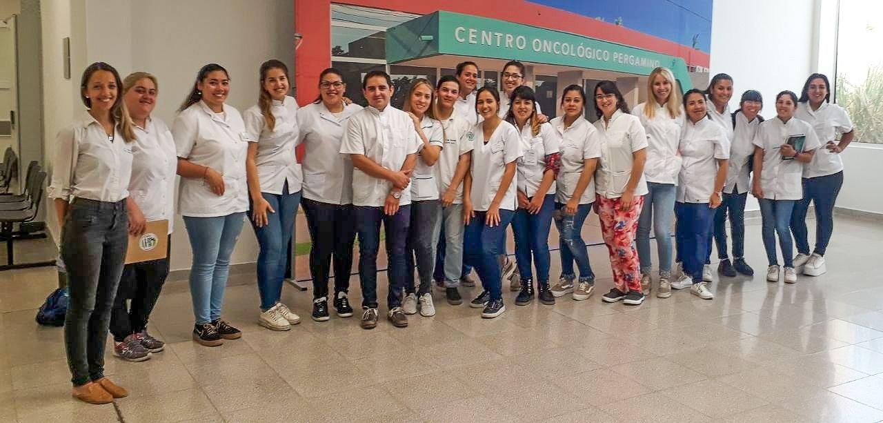 El Centro Oncológico Pergamino (COP) recibió la visita de estudiantes de la carrera de enfermeria de la Universidad Nacional del Noroeste de la Provincia de Buenos Aires (UNNOBA).