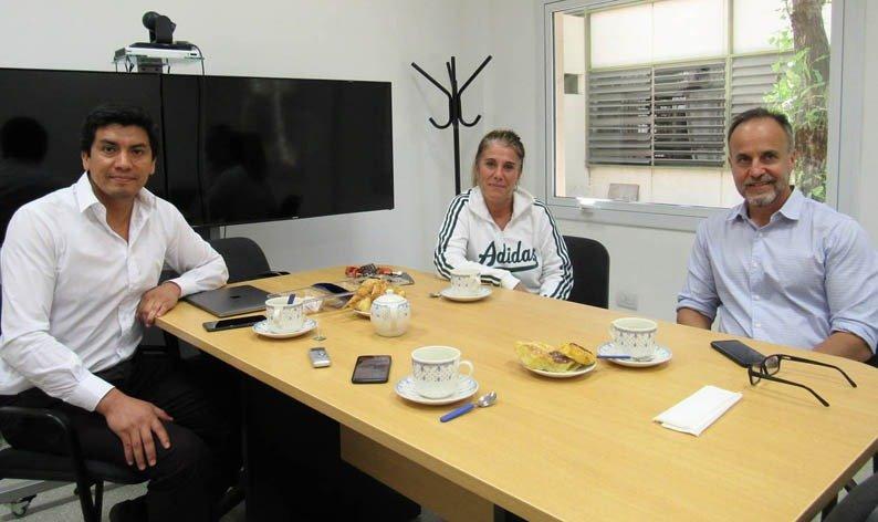 Amilcar Osorio, Gabriela Barros y Diego Passadore recibieron a LA OPINION en el COP. (LA OPINION)